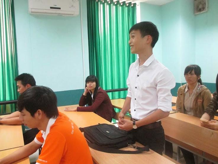Rất nhiều câu hỏi được các bạn sinh viên Cao đẳng thực hành FPT Polytechnic đặt ra cho nhà tuyển dụng.