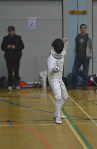 Sway U13 epee - a classic on guard stance