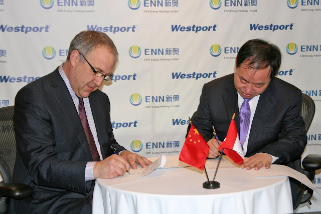 Yusuo Wang, Chairman, ENN Group and David Demers, Westport CEO, sign a new partnership to expand global natural gas transportation solutions.