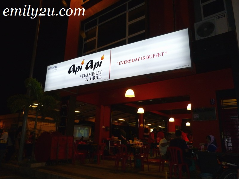 Api Api Steamboat and Grill