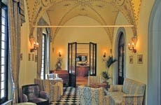 Palazzo Ravizza, Pian dei Mantellini, 34, 53100 Siena SI, Italy
