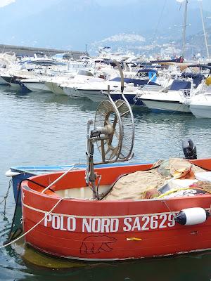 サレルノ港の船