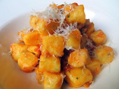 Accanto: potato gnocchi, lamb bolognese, mint and pecorino