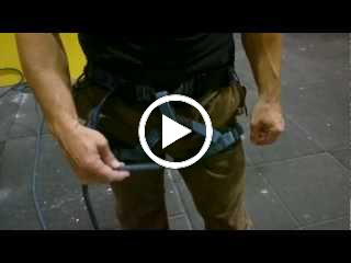 Almost a one handed bowline