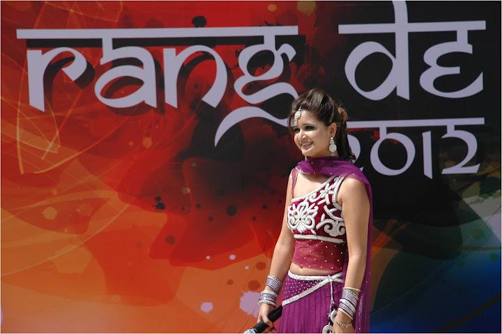 Ankita sareen   Anchor Female, Emcee, Event Host, MC Master Of Ceremony Delhi