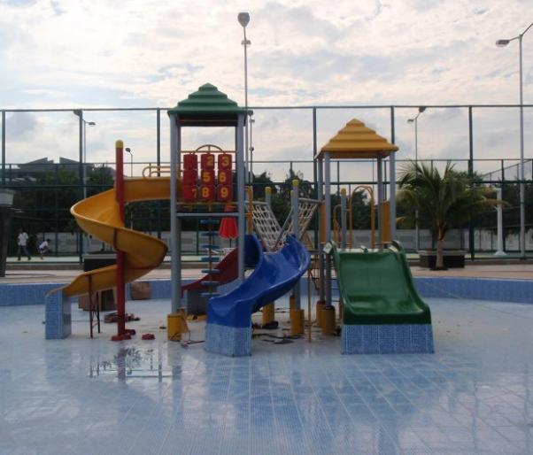 Produk_playground_perosotan