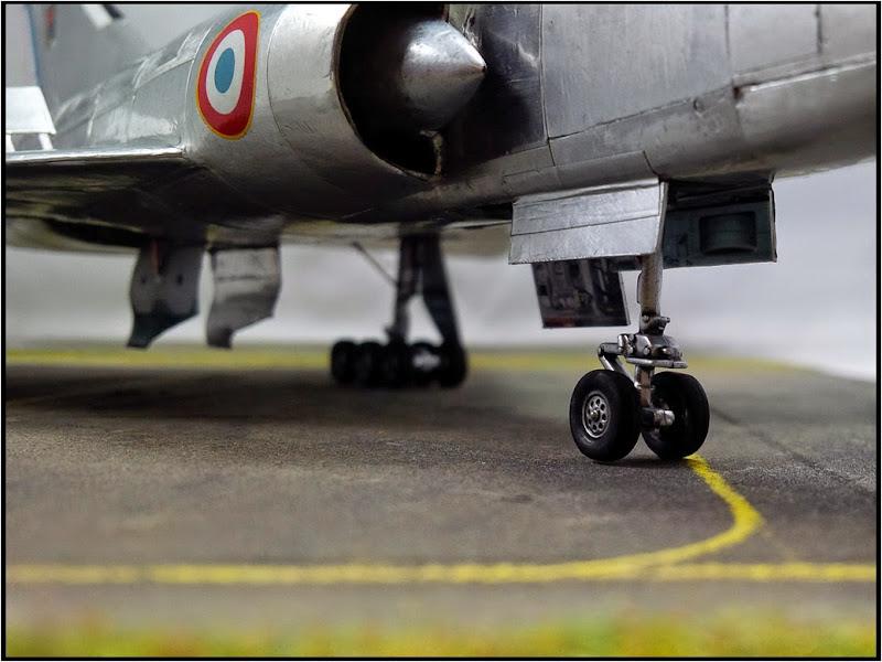 GAMD Mirage IV B. Un gros mirage IV, en scratch et au 72 IMG_20141007_191301