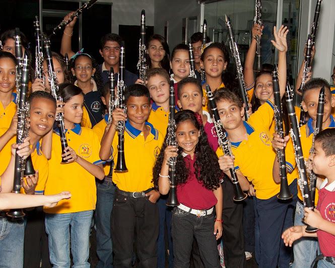 En el núcleo de Puerto Ordaz, los niños piden tocar el clarinete porque quieren seguir el modelo musical de su líder: Edgar Pronio, quien ha sido desde los inicios de El Sistema un destacado solista