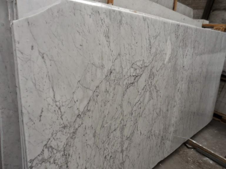 Arbeitsplatte carrara c tischplatte natursteinplatte for Tischplatte rund marmor