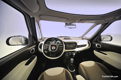 Fiat 500L panoramic view