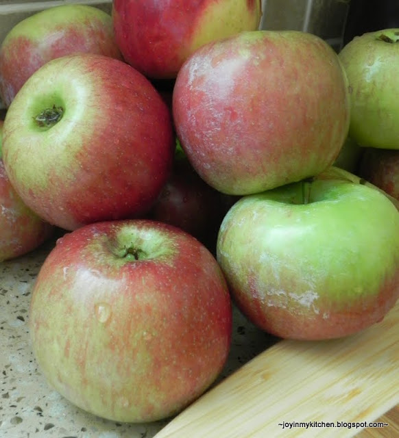 Finding Joy in My Kitchen: Kitchen Tip: Removing Apple Wax!