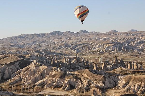 How high do hot air balloons go in Cappadocia?