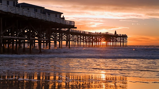Crystal Pier Hotel, Pacific Beach, San Diego, California.jpg