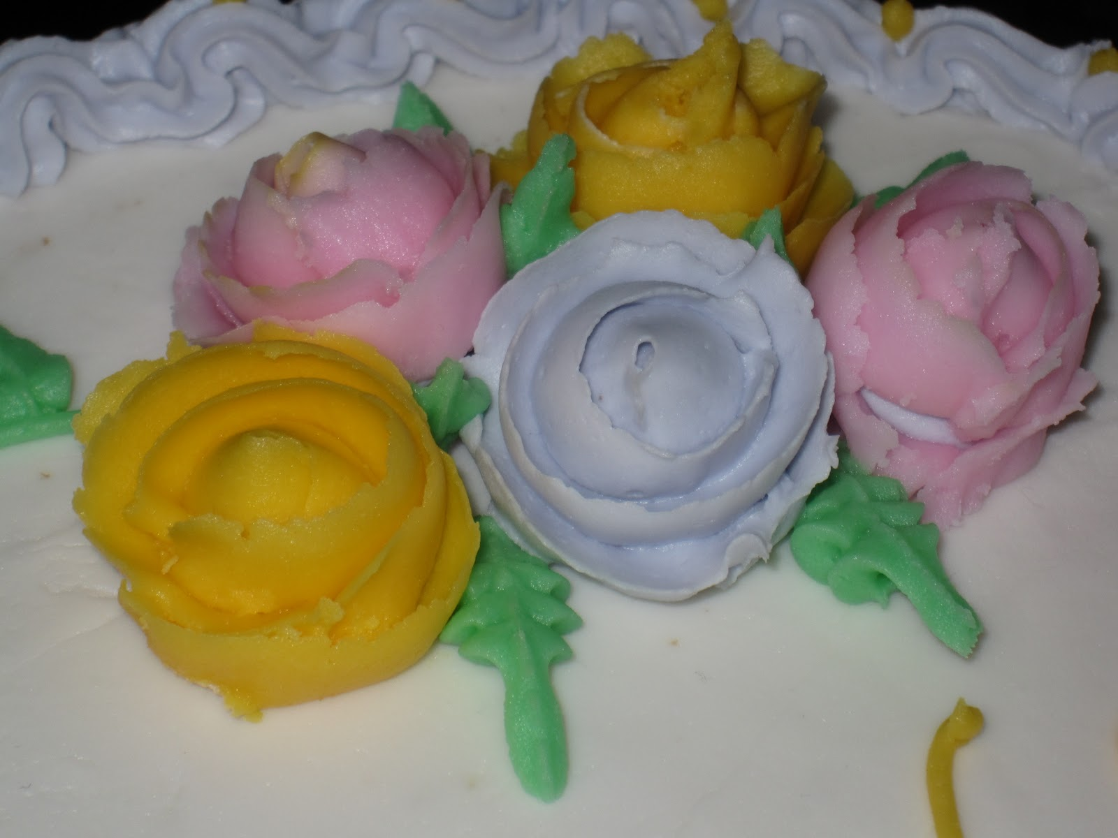Michael\'s Basic Cake Decorating Class - Day 4 - She Bakes Here