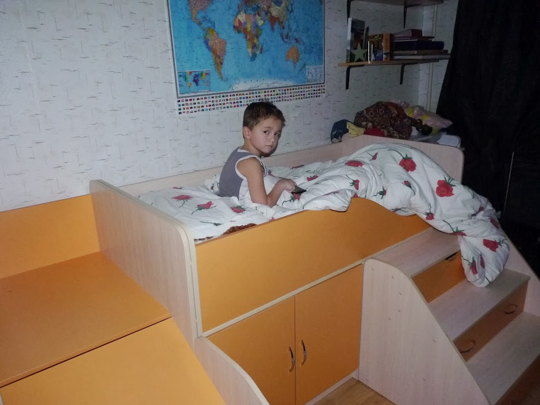 Папа завалил дочку на кровать в хорошем качестве 720 фотоография