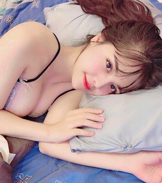 Hot-girl streamer sexy đốt mắt người xem bằng những đường cong cực kỳ nóng bỏng!Hot-girl streamer sexy đốt mắt người xem bằng những đường cong cực kỳ nóng bỏng!