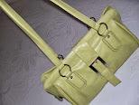 Bonito bolso verde pistacho, con doble