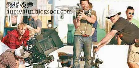 麥克華堡拍攝手持武器簡單戲份。