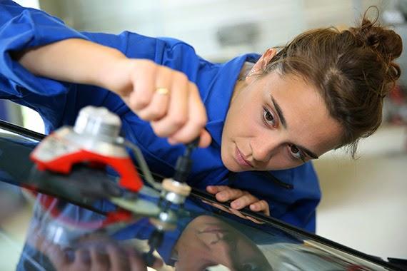 Las nuevas ayudas para contratar a jóvenes se podrán pedir desde el 27 de marzo