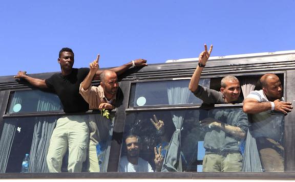 Exchange of Gilad Shalit for 1027 Arab Prisoners Arabs2