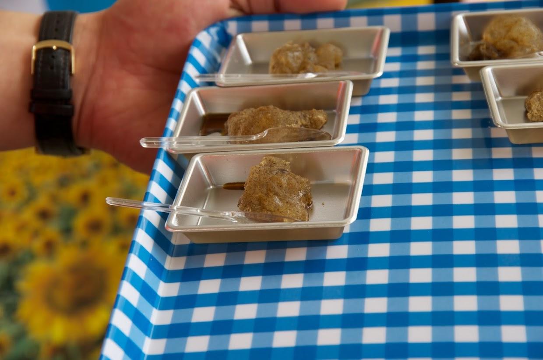 JAきたそらち:市場が提供してくださったくず餅を使った「黒千石きな粉かけくず餅」