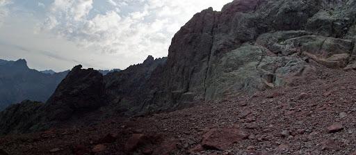Les pentes minérales du versant Nord