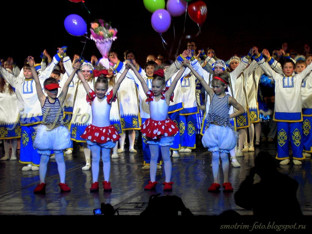 Отчетный концерт ансамбля танца Россияночка фото