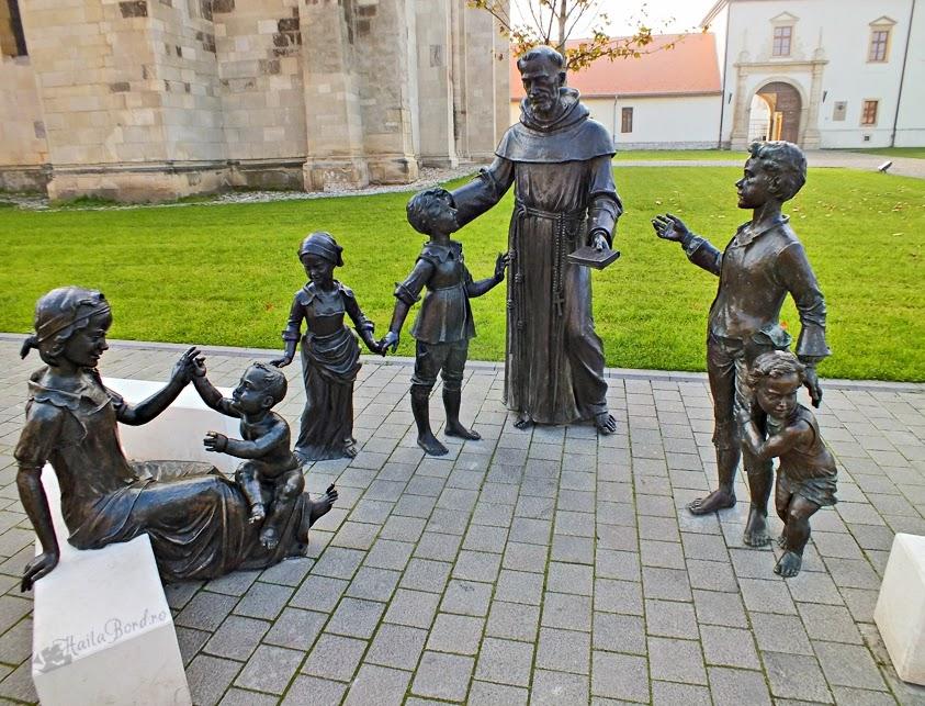 grup statuar preot copii alba iulia