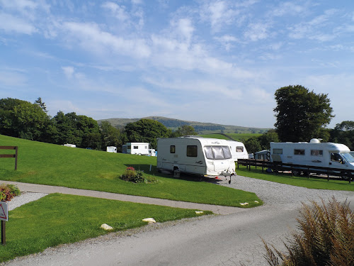 Kendal Camping and Caravanning Club Site at Kendal Camping and Caravanning Club Site