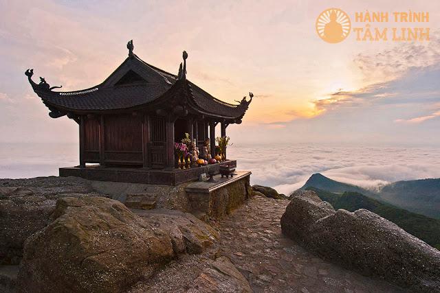 Vẻ đẹp của chùa đồng và biển mây