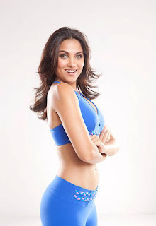Lara Dutta Nipple Slip Pics