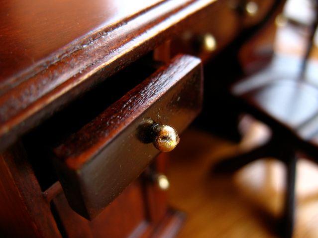 Restaurar muebles.