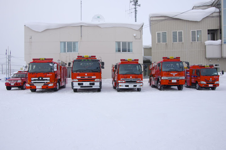 北竜消防出初式を待つ消防車