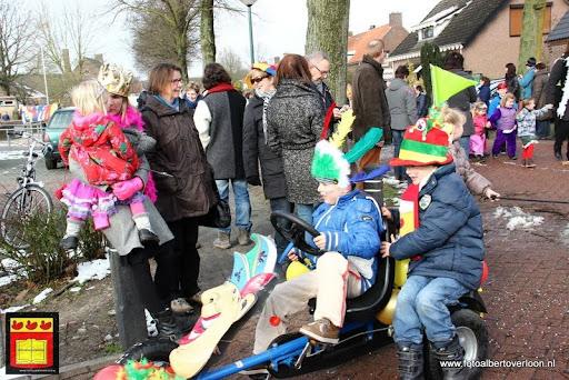 carnavalsfeest op school 08-02-2013 (16).JPG