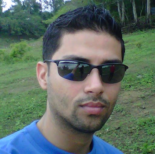 Dennis Navarro