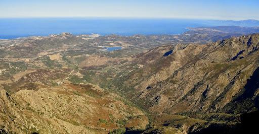 Depuis la crête de Cima di Casellu : la vue vers l'Île-Rousse