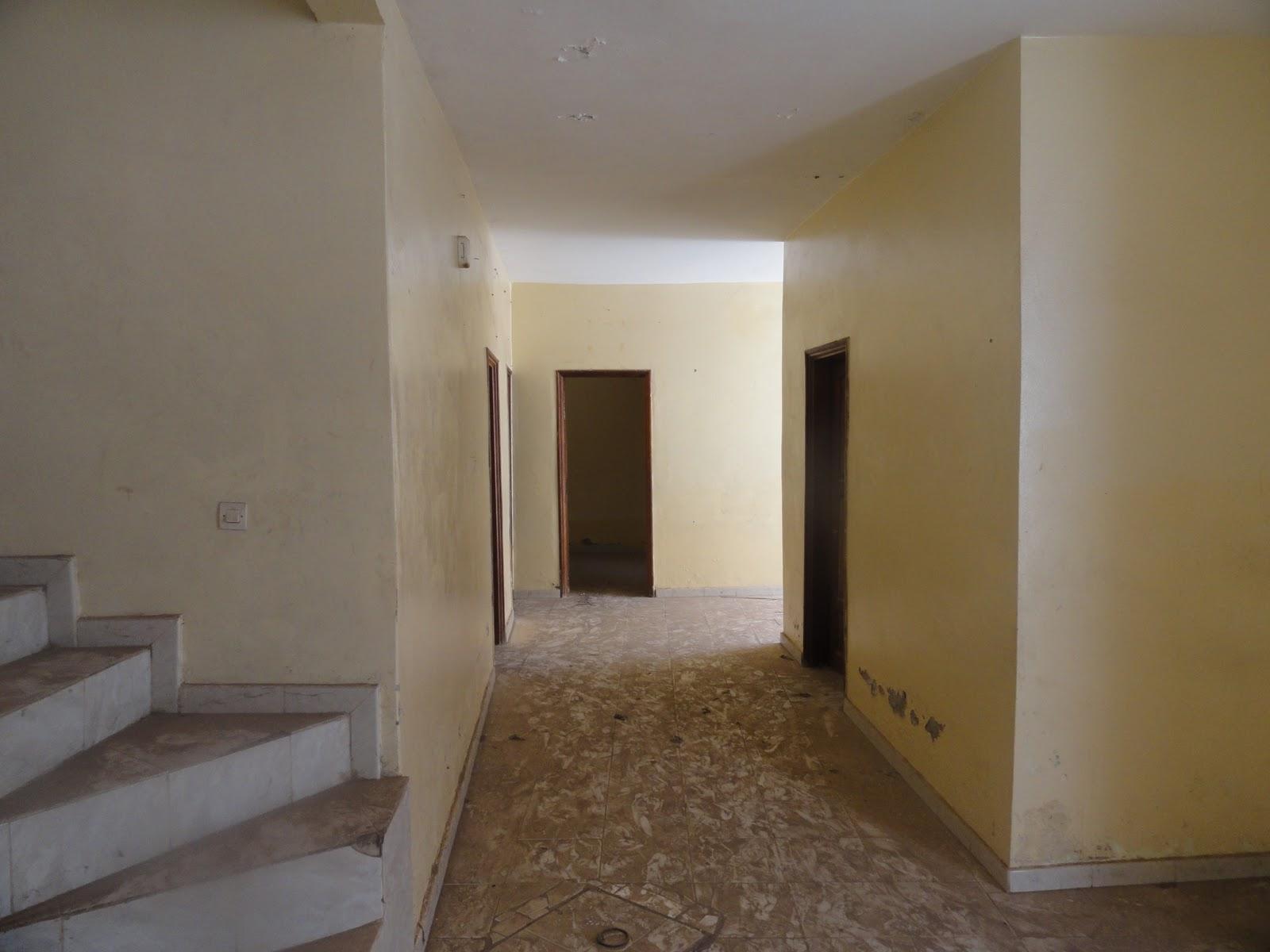 Villa vendre keur massar f avec 3 chambres for Salon a vendre a dakar