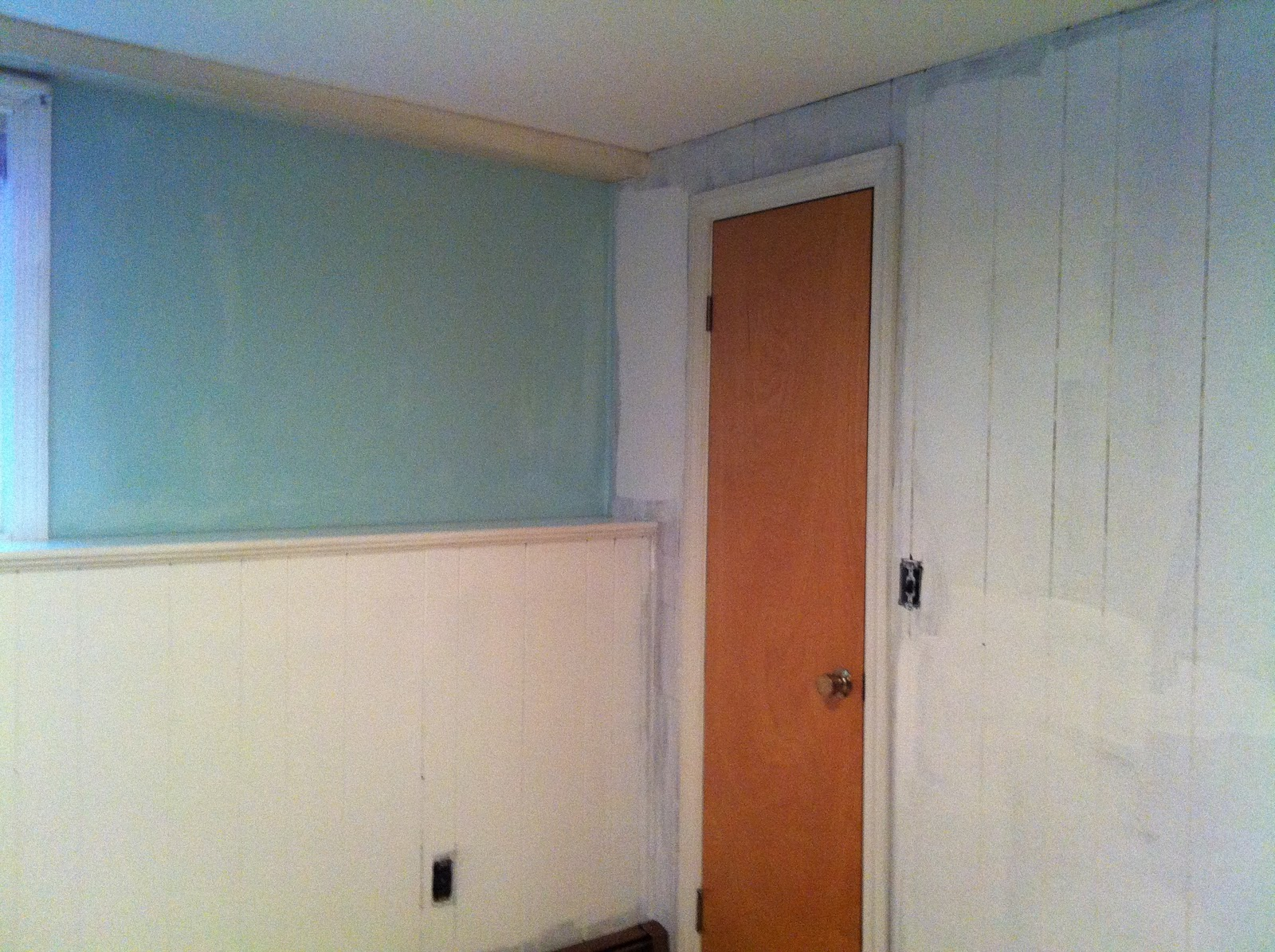 The Pfaff Pfix: Painting Wood Paneling. Full resolution  photograph, nominally Width 1600 Height 1195 pixels, photograph with #864528.