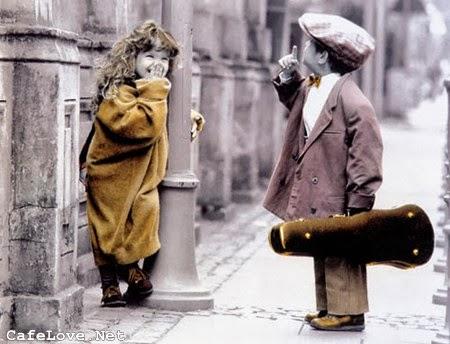 Hình ảnh lãng mạn về tình yêu trẻ thơ
