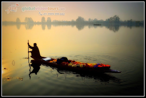 Happy Weekend Dear Friends  Enjoy a your warm and pleasant stay of #KashmirWeekendTour and experience...