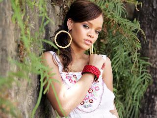 Alicia Keys Bio Pics and News