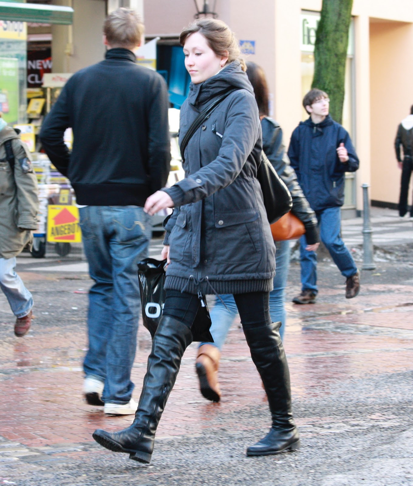 Jeans and Boots: Streetshots: Girls in Jeans & Boots or