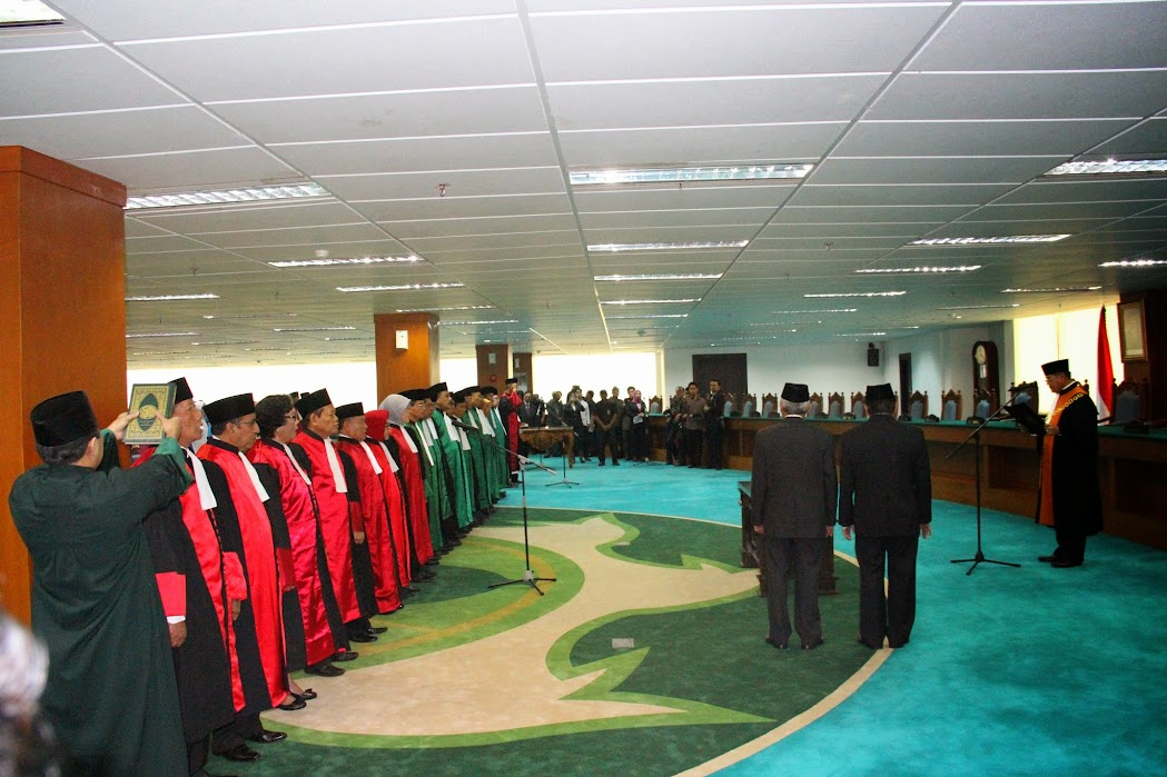 KMA Melantik 13 Ketua Pengadilan Tinggi Agama dan 8 Ketua Pengadilan Tinggi