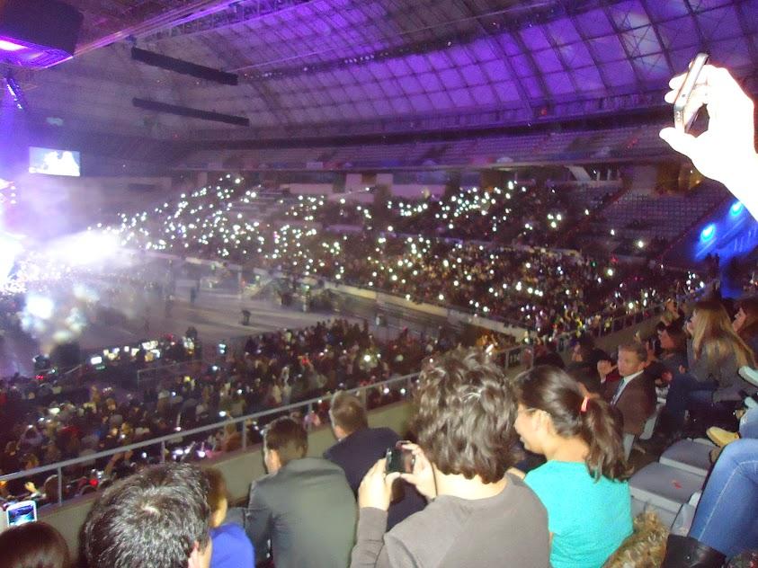 The Prismatic World Tour » Barcelona 16/02/2015 | Telonera: Charli XCX - Página 13 Prism6