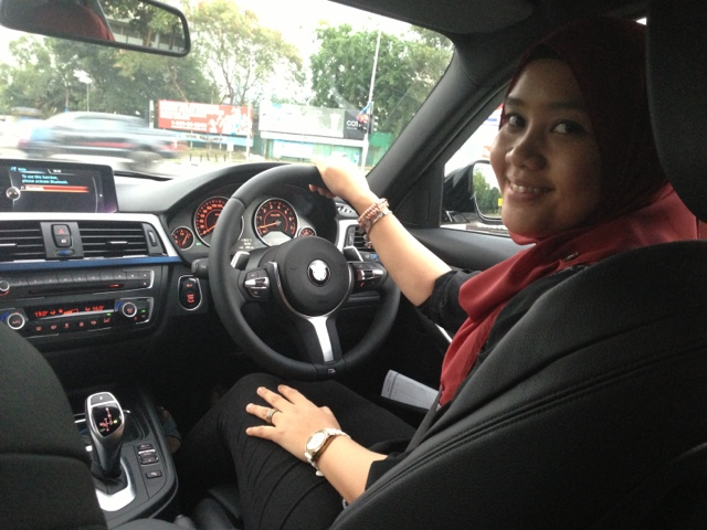 Test drive BMW F30 at Ingress Auto by DSM Julianazren