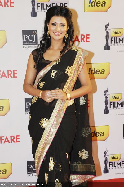 The gorgeous Sayali Bhagat graced the 58th Idea Filmfare Awards 2013, held at Yash Raj Films Studios in Mumbai.Click here for:<br />  58th Idea Filmfare Awards