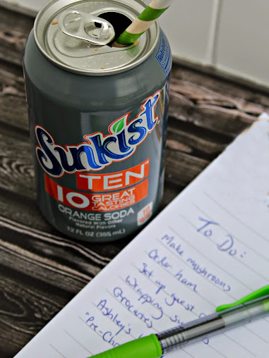 Grab a Me Moment with a Can of Sunkist TEN