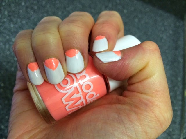 Easy-neon-nail-art-Models-Own-Polish-For-Tans-Beach-Bag-White-Light-Hyper-Gel