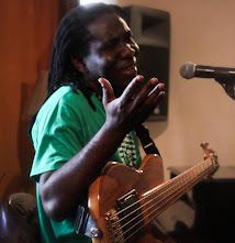 Рішар Бона: «Свого часу я зняв з гітари дві струни…»