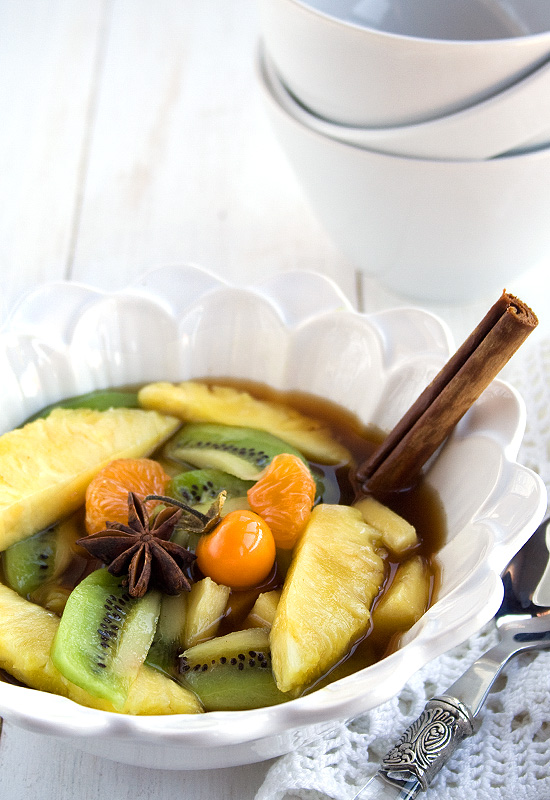 Minestrone de piña y kiwi al aroma de cítricos